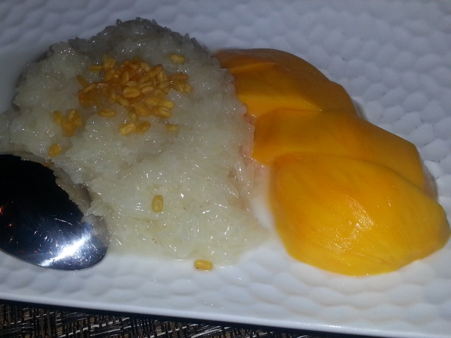 Lers Ros Thai - Sticky Rice with Mango