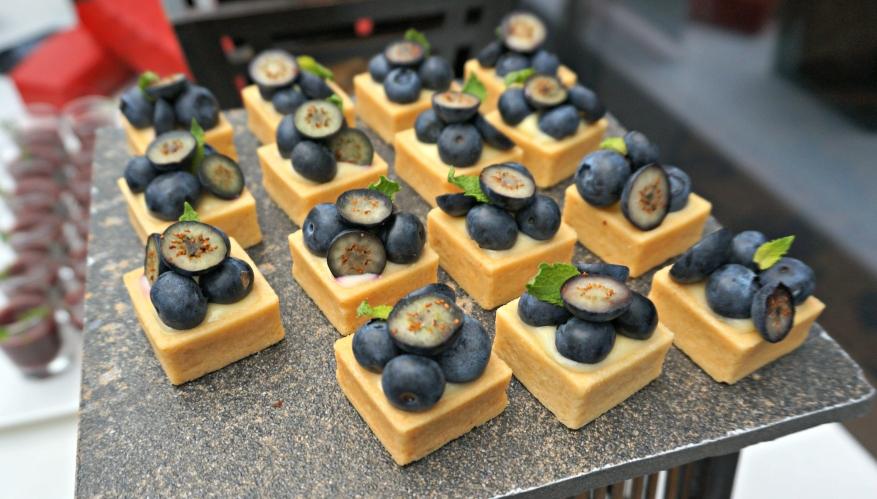 Lemon & blueberry tarts